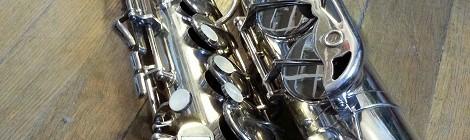 Saxophone alto Pierret argenté pavillon aurifié: à vendre!